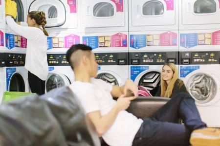 国际学生使用Liberty Point公寓洗衣设施