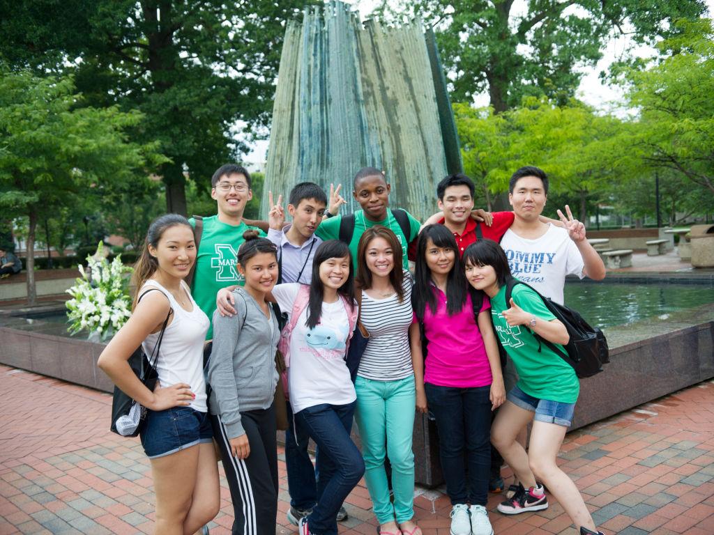 MAR students posing group