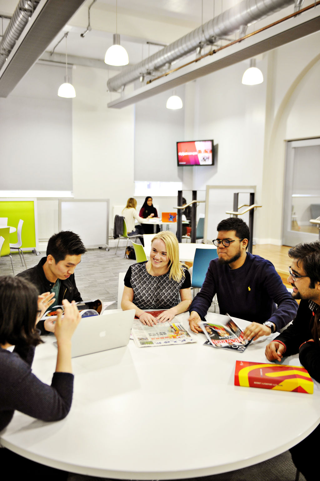 Social breakout areas at the INTO Centre