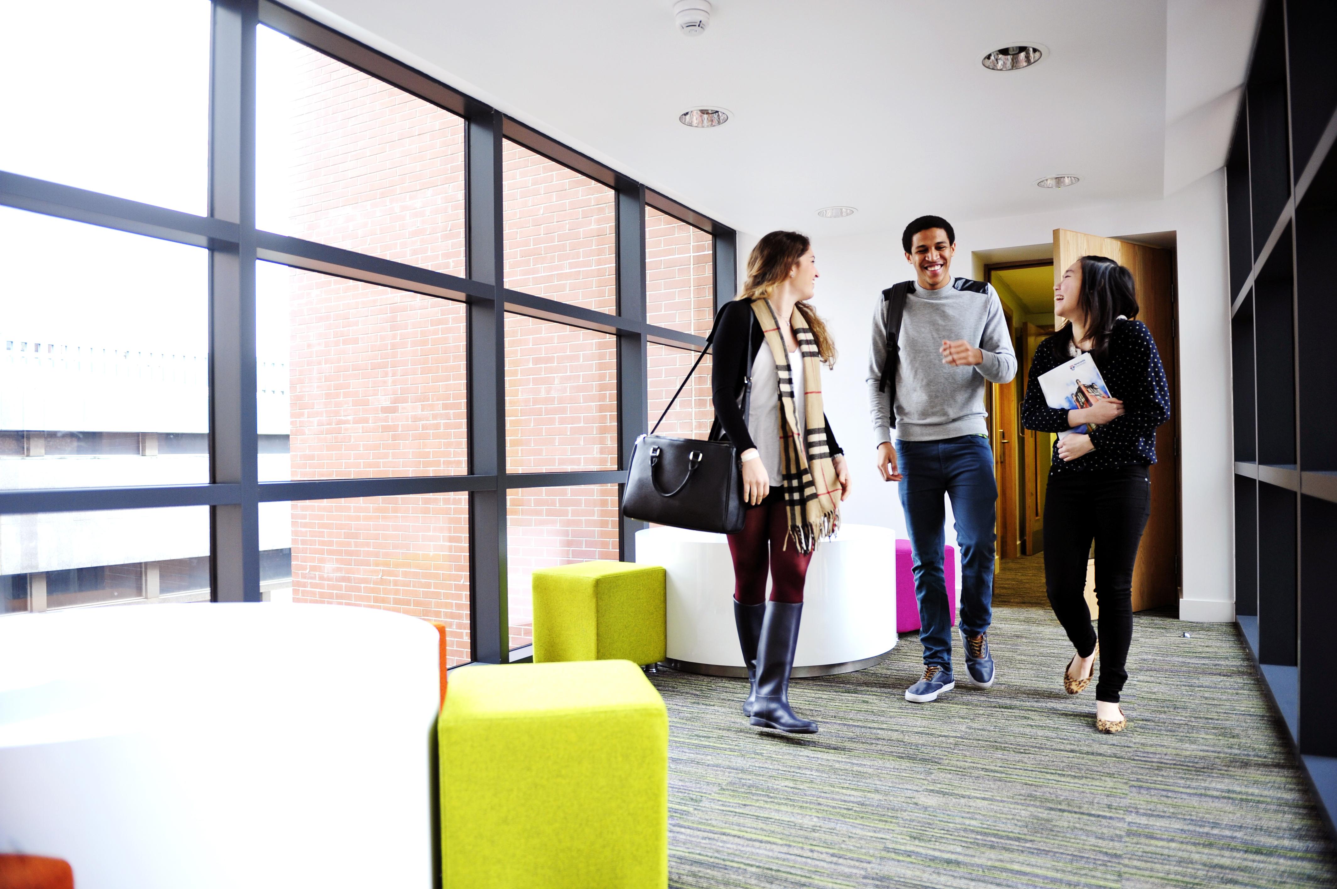 الطلاب الدوليين ضمن مرافق سكن طلاب مركز INTO جامعة نيوكاسل