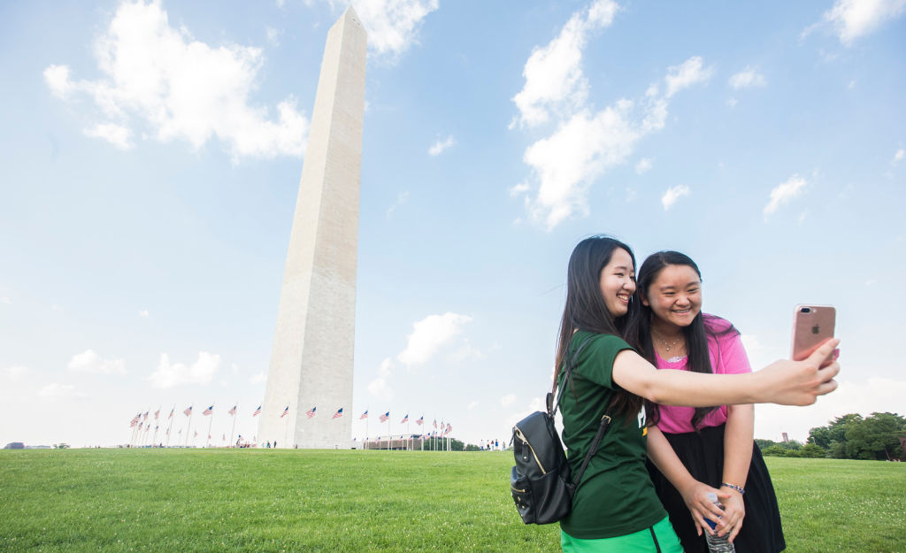 Visit DC's top attractions including the Washington Monument