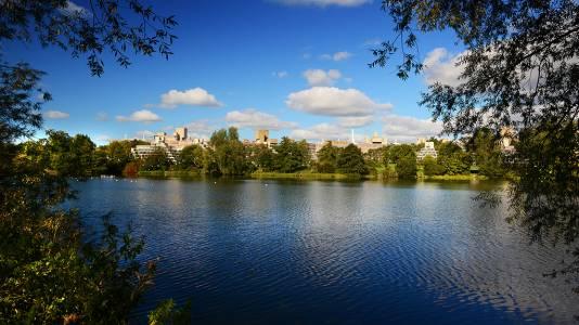东英吉利大学美丽的校园风景