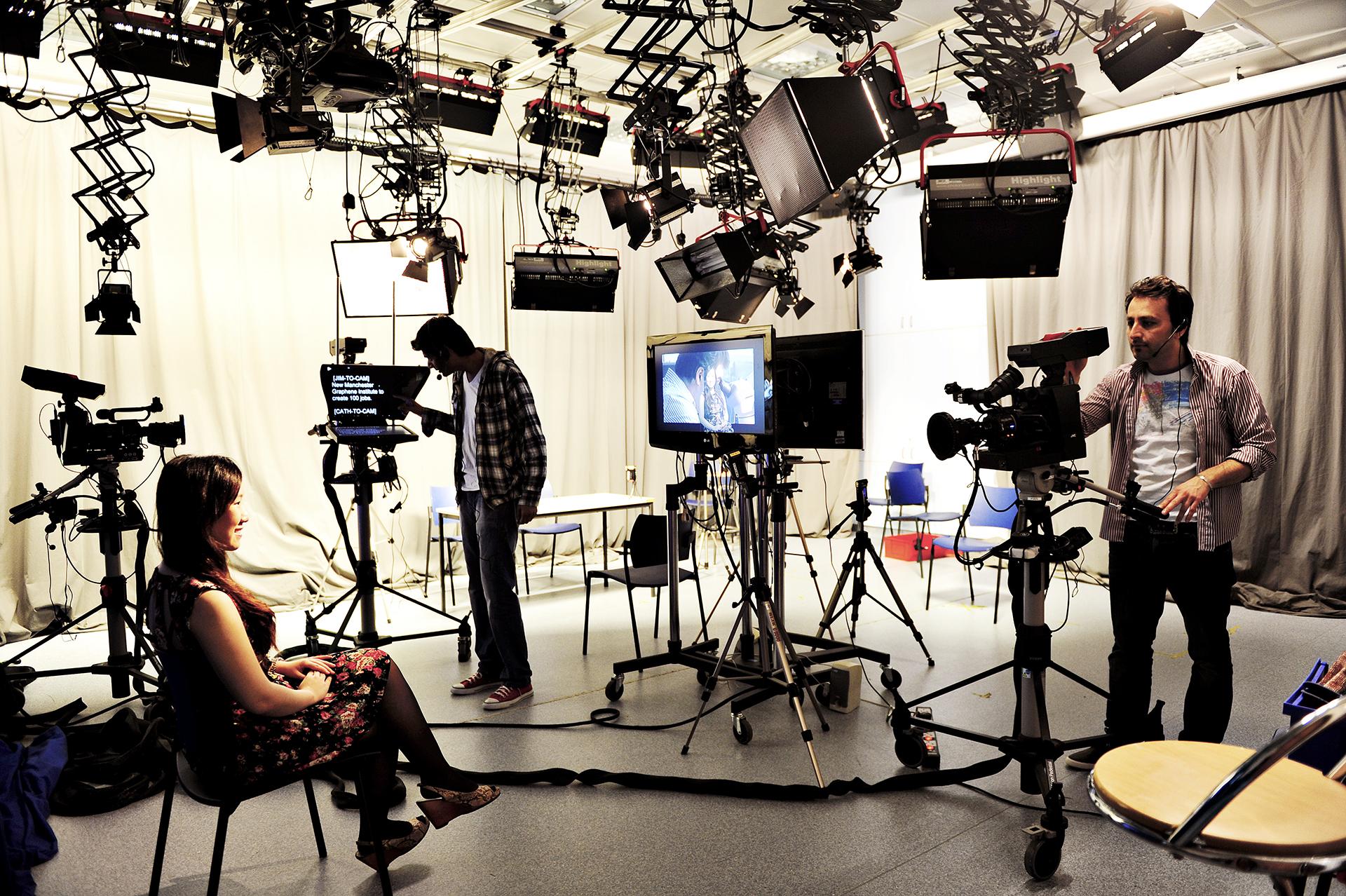 Students using the multimedia facilities at Manchester Metropolitan University