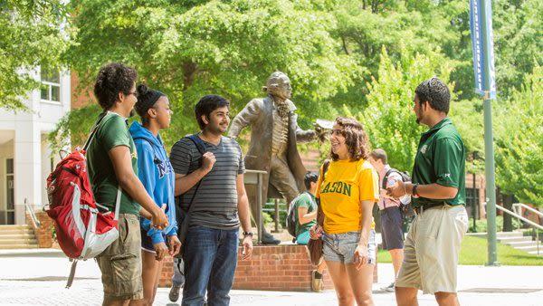 INTO Mason students meet at orientation