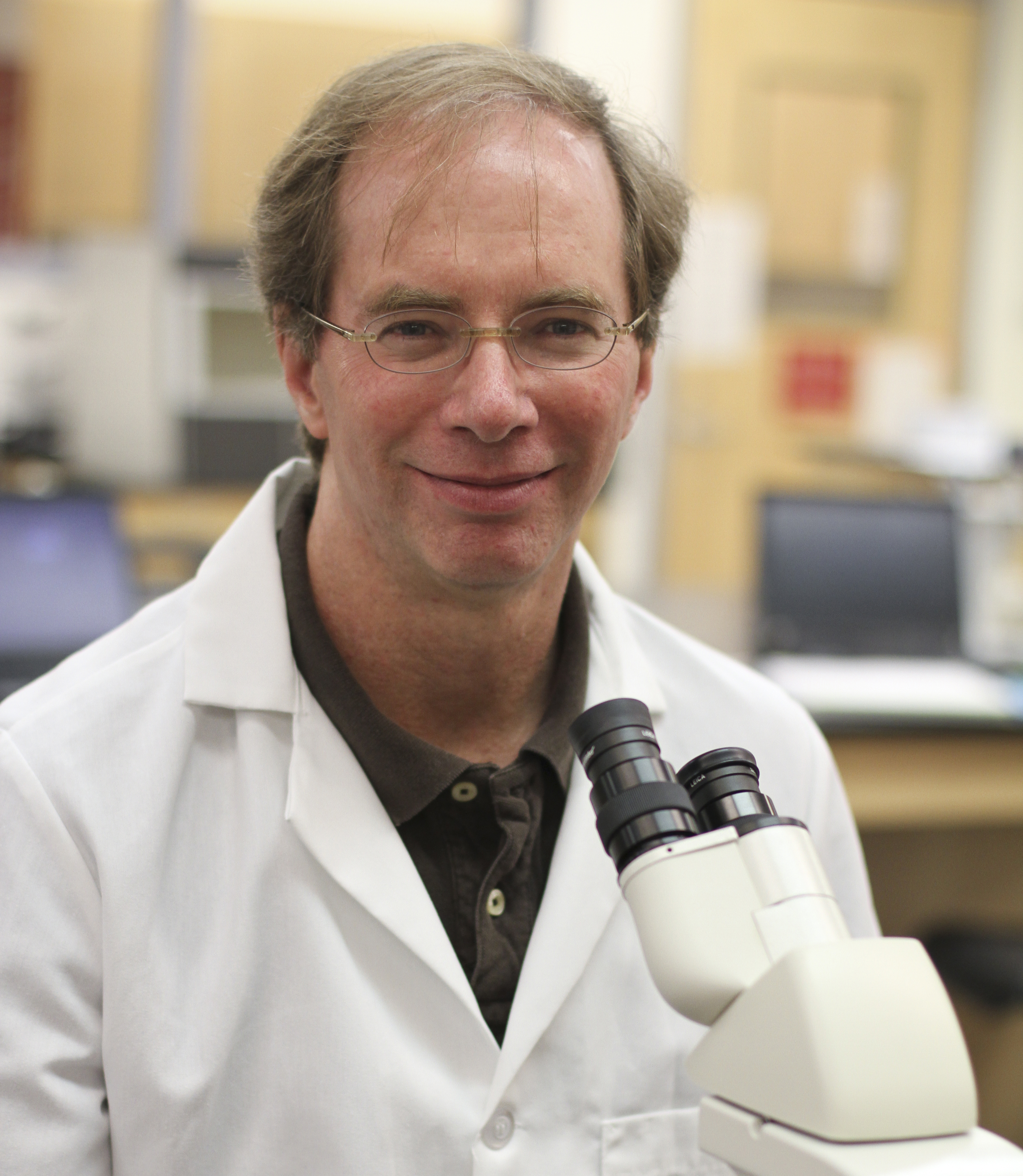 Dr. Roger Knowles, Professor of Biology and Neuroscience, at Drew