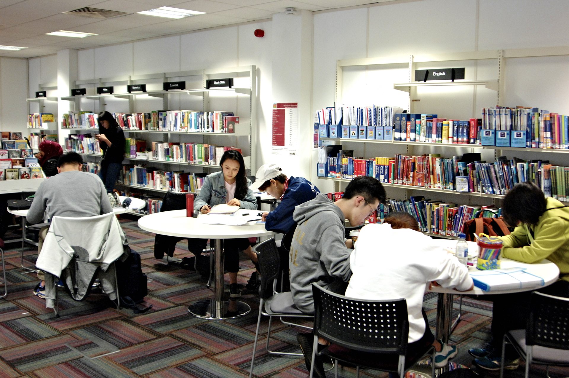 International students working in the INTO Learning Resource Centre