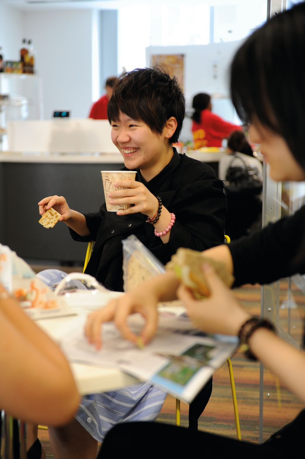 Students eating in the INTO cafe