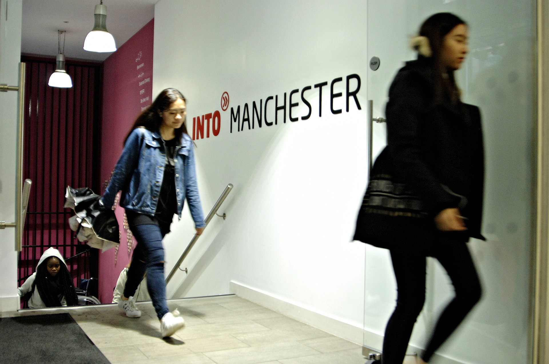 International students entering the INTO Centre
