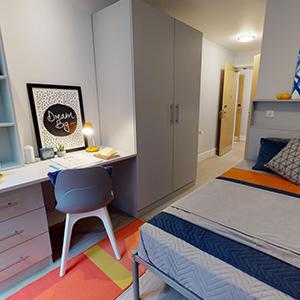 Magenta House en-suite bedroom