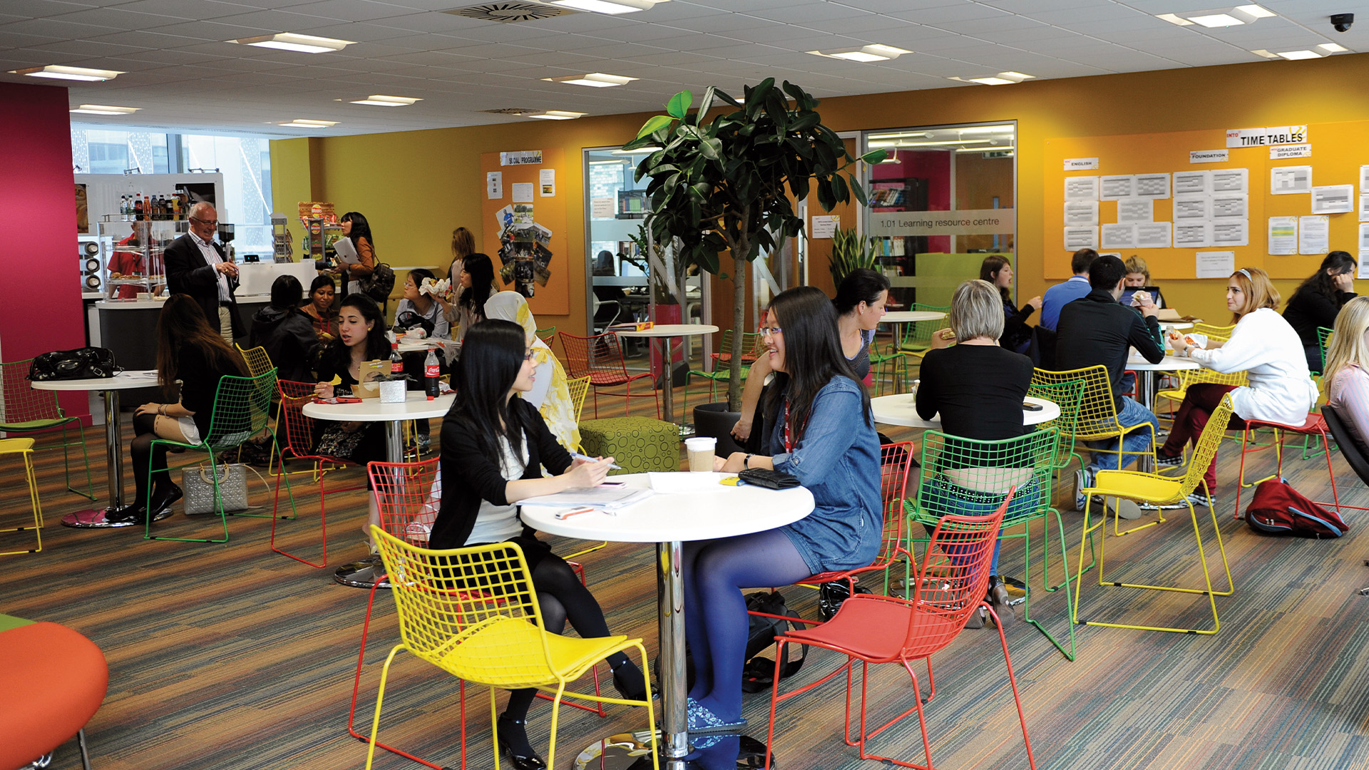 Grab a quick bite to eat between classes at the INTO London campus cafe